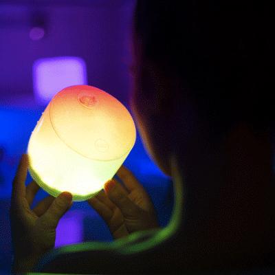 エムパワード カラー インフレータブル LEDソーラーランタン